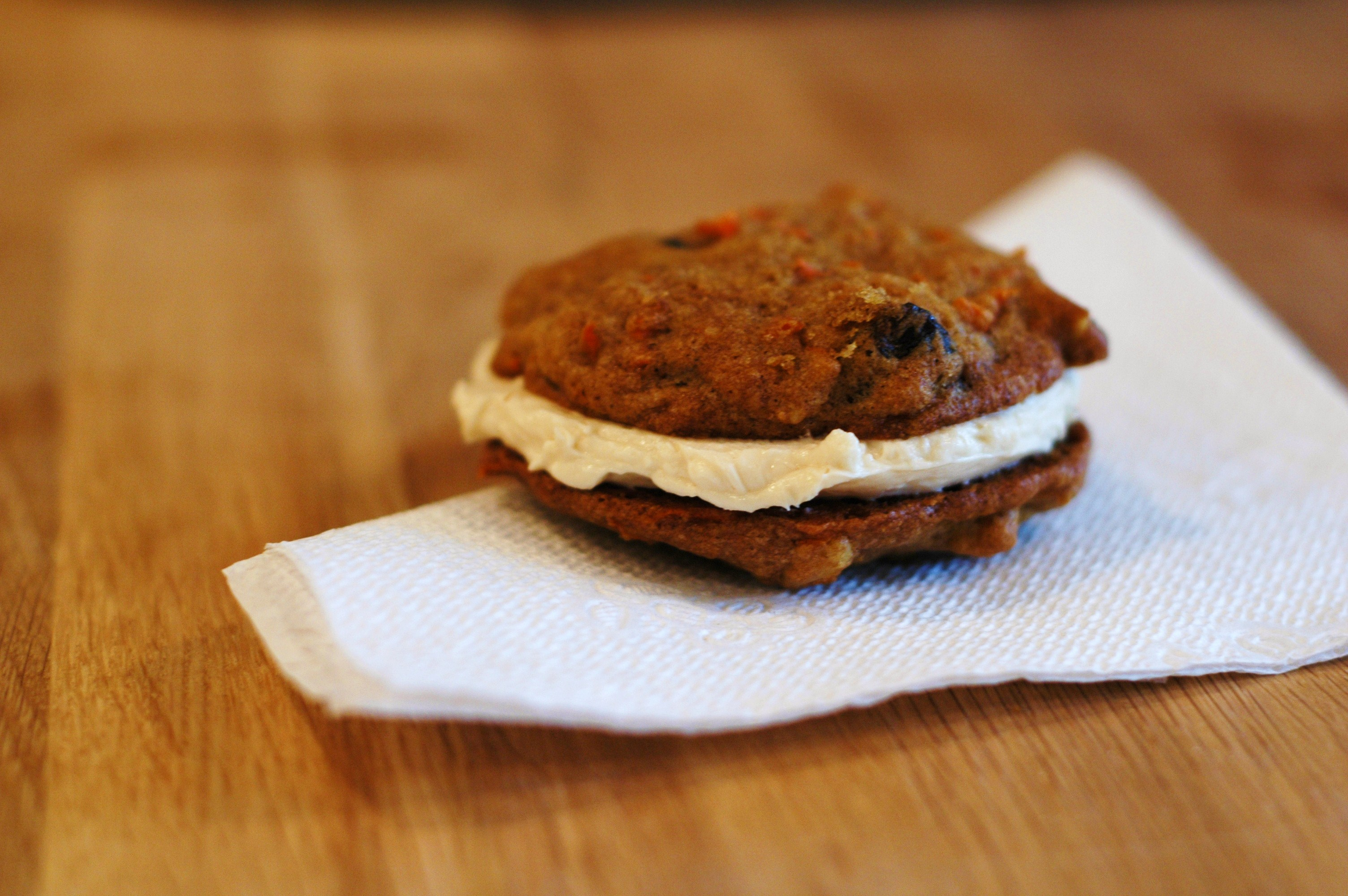 Inside-Out Carrot Cake Cookies - but i'm hungry