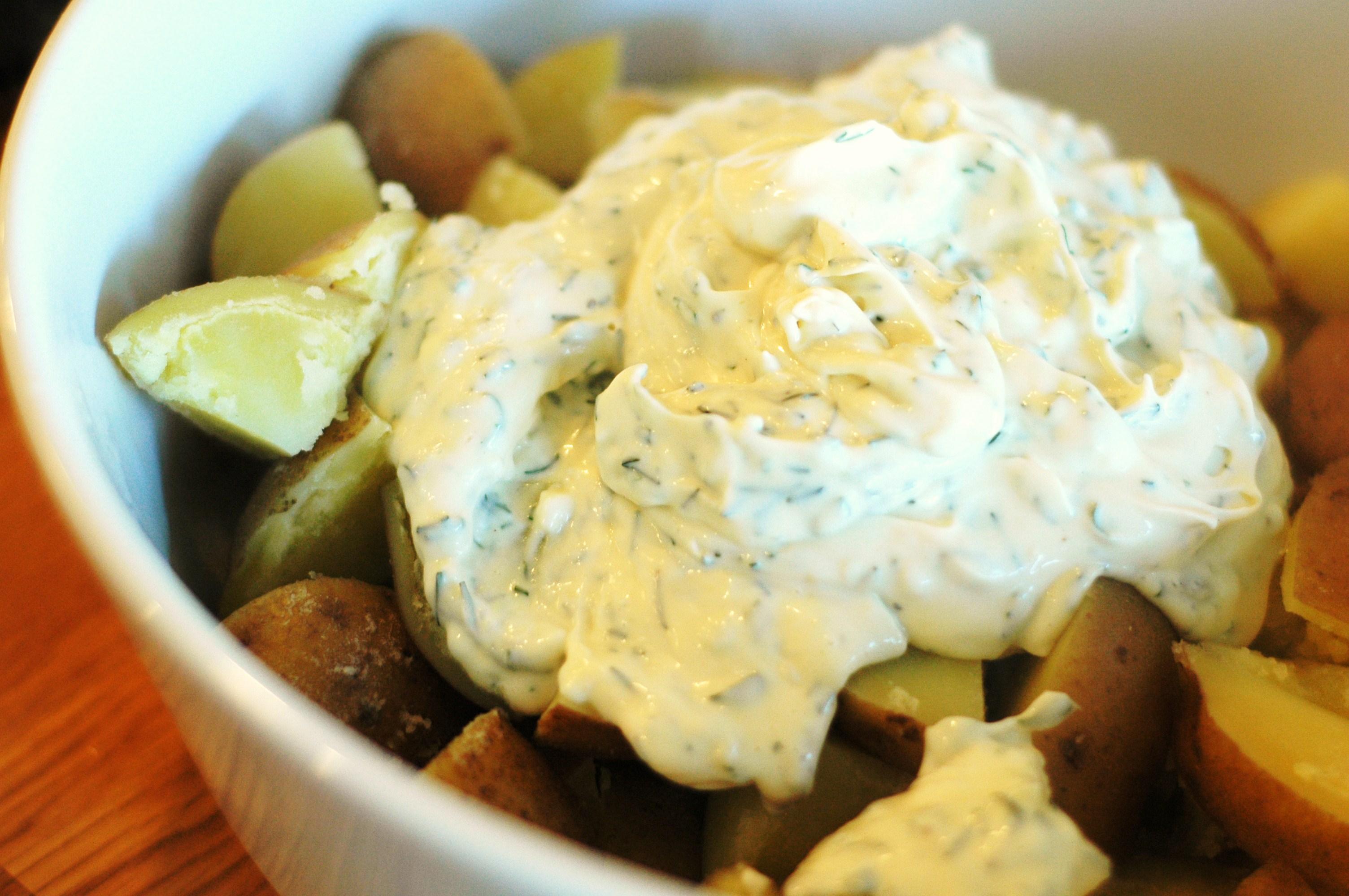 Garlic and Fresh Herb Potato Salad - but i'm hungry