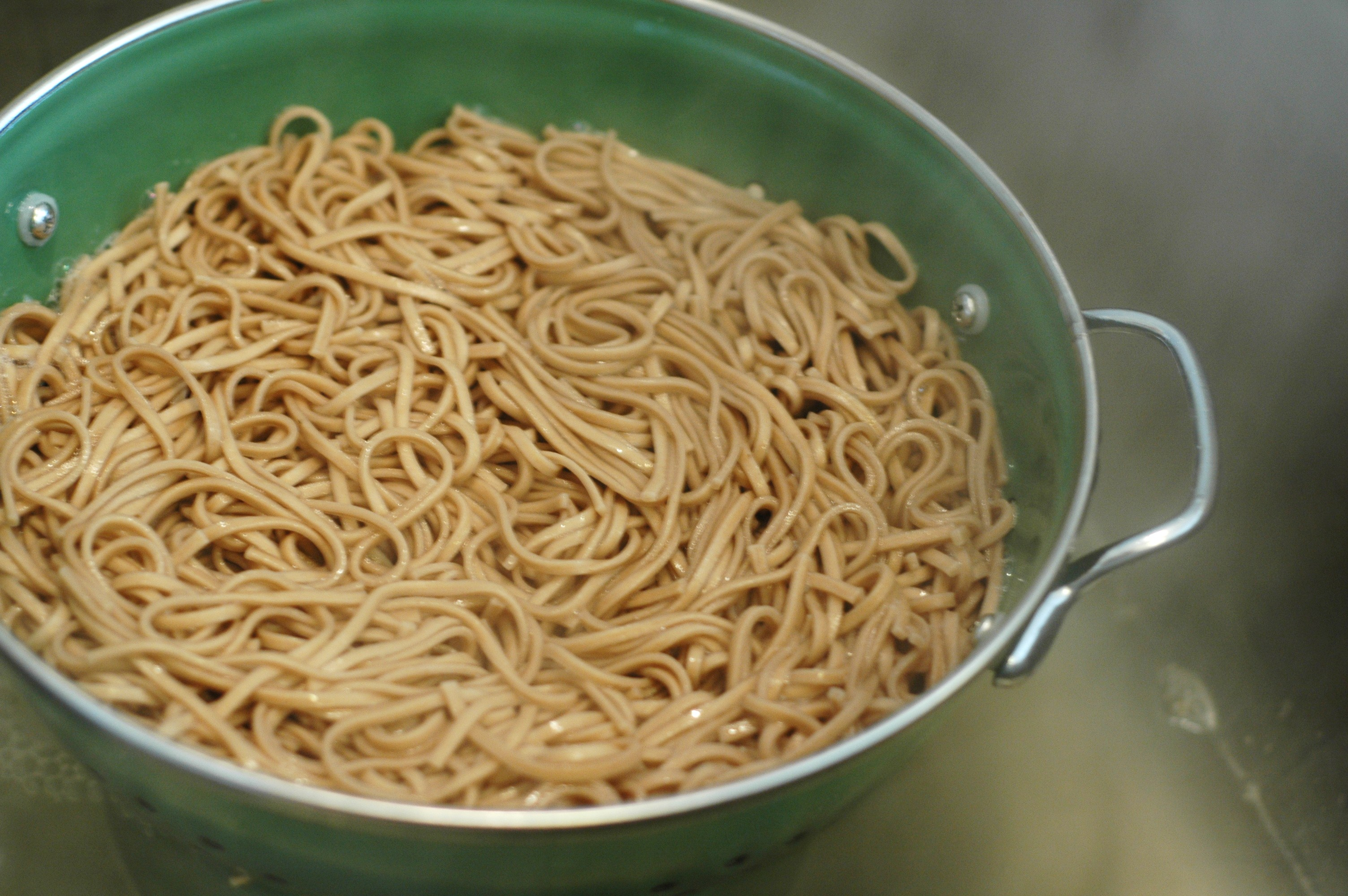 Cold Peanut Sesame Noodles - but i'm hungry